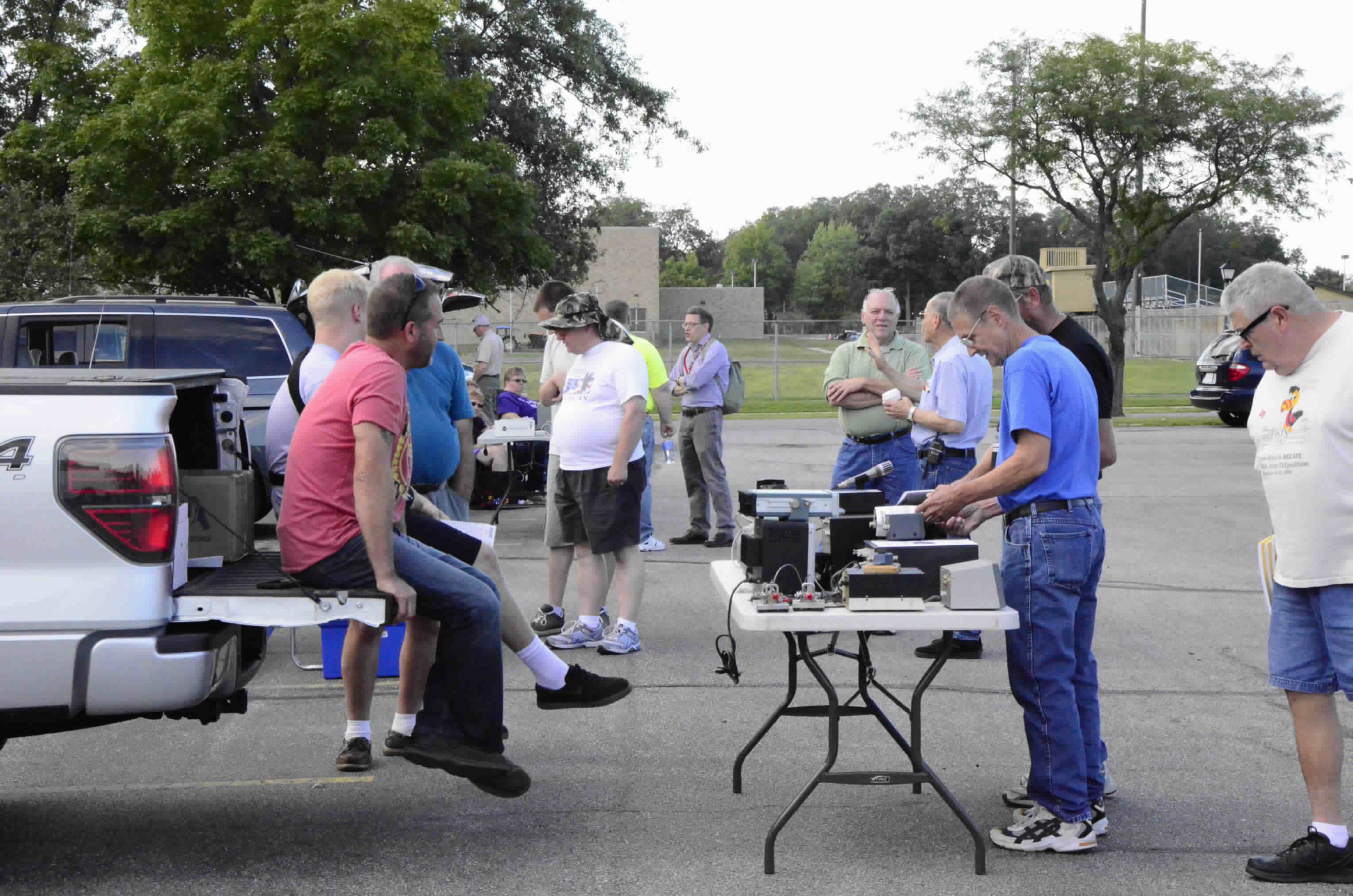 Fort Wayne Radio Club hosts a tailgate hamfest every August