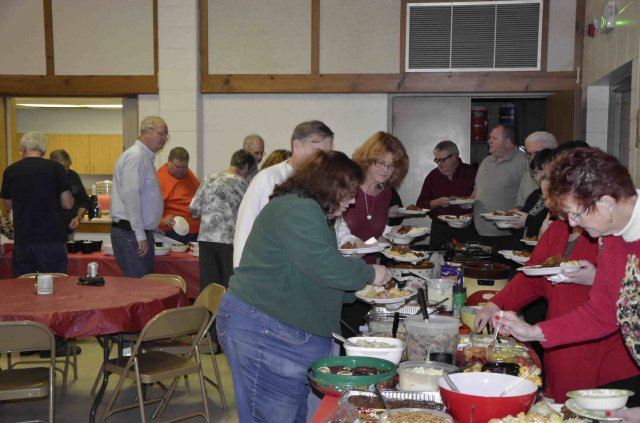 Food line at the 2015 FWRC Christmas banquet